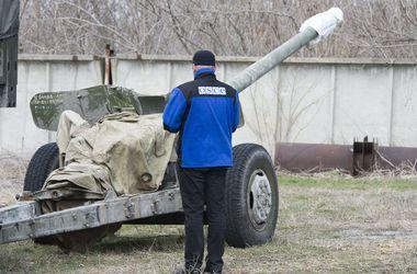 """Порошенко хочет обеспечить присутствие ОБСЕ в """"горячих точках"""" на Донбассе"""