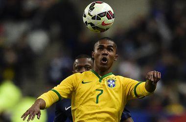Дуглас Коста и Луис Адриано помогли Бразилии обыграть Францию