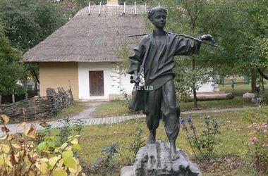 В Черкасской области похитили памятник Тарасу Шевченко