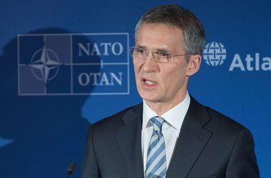 """Генсек НАТО призвал """"не строить догадки"""" о вступлении Украины в Альянс"""