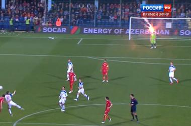 Скандал на матче отбора Евро-2016: во вратаря сборной России бросили файер