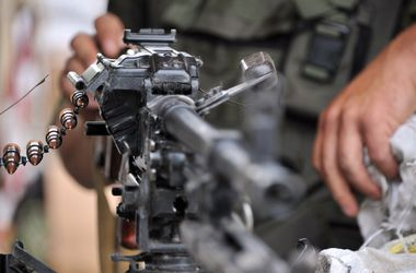 """Боевики перебросили в район Широкино два танка и три БТР - """"ИС"""""""