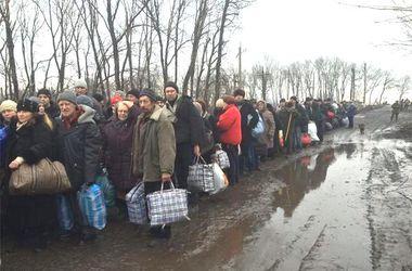 Количество переселенцев в Украине превысило 810 тыс. человек