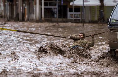 Разгул стихии. Сильнейшее за 80 лет наводнение в Чили убило 14 человек