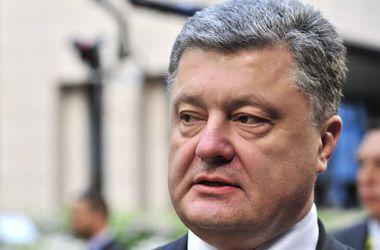 Порошенко разрешил иностранным солдатам ступать на украинскую землю