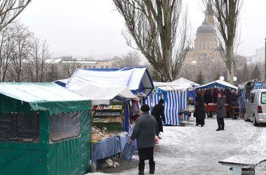 В Харькове открылась ярмарка с медом из монастыря