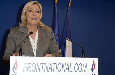 Во Франции открыли дело против членов националистической партии Марин Ле Пен
