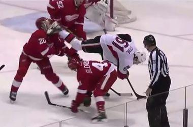 Игрок НХЛ едва не лишился глаза, получив коньком по лицу