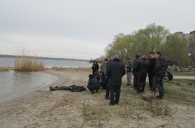 Из реки в Николаеве выловили тело мужчины в военной форме