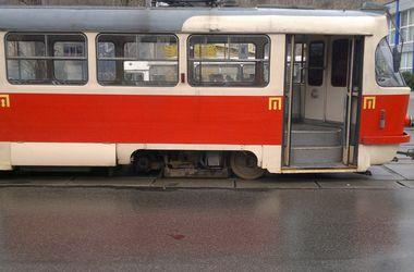 В столице у трамвая отвалилось колесо