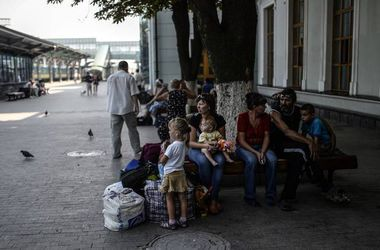 УПЦ передала около 3 тыс. тонн гуманитарной помощи вынужденным переселенцам