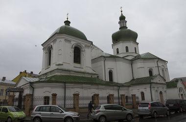 Прогулки по улице Хорива: домик Петра I и чудеса от святых Варвары и Николая