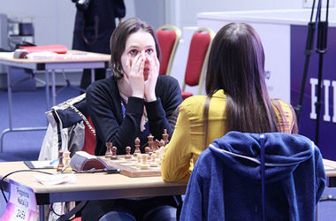 <p>Финал: Музычук vs Погонина. Фото instagram.com/worldwomenchess</p>