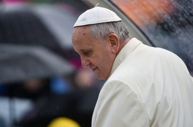 Папа Римский омыл ноги женщинам-заключенным