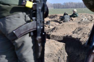 """""""Азов"""" сообщает о хаотичных обстрелах под Мариуполем"""