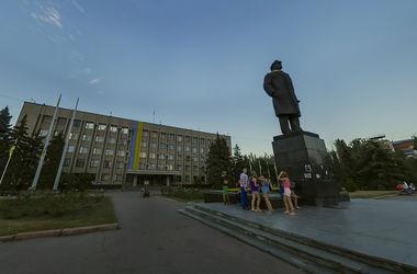 В Славянске безуспешно попытались свалить Ленина