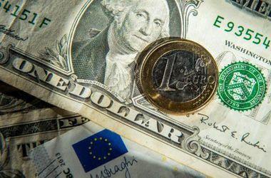 Доллар на американских торгах оказался под давлением евро - обзор