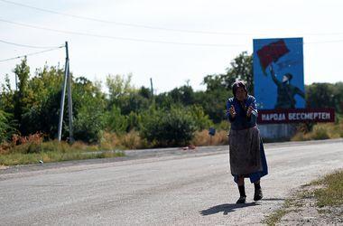 """Итоги дня, 3 апреля: в Донбассе назревает гумкатастрофа, у ОБСЕ нет денег на расширение миссии, бойцы """"ПС"""" переходят в ВСУ на контракт и многое другое"""