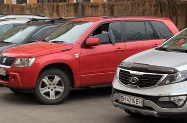 В Одессе неадекватный мужчина разбил 10 машин и получил пулю