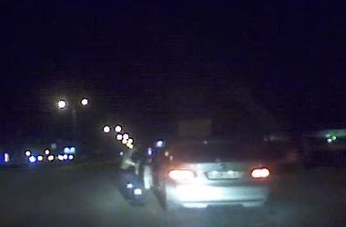 Россиянин протащил по асфальту сотрудника патрульной службы