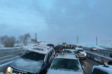 В Колорадо из-за снегопада столкнулись 39 авто