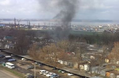 В Одессе из-за взрыва пострадали 7 спасателей и владелец авто