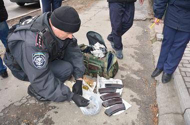 В центре Николаева задержан мужчина с гранатами и магазинами к автомату Калашникова – МВД