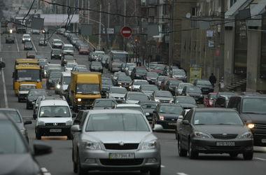 <p>Производство авто в Украине упало почти вдвое</p>