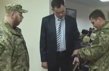 В сети появилось видео задержания прокурора Краматорска