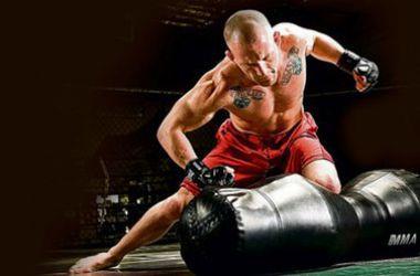 Болельщики проигравшего бойца смешанных единоборств напали на его соперника