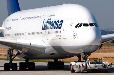 Airbus A380 с 366 пассажирами на борту аварийно сел во Франкфурте-на-Майне