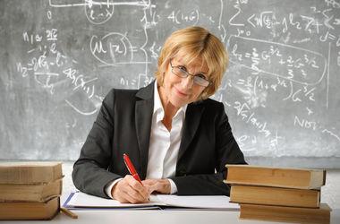 В Украине массово увольняются преподаватели, чтобы сохранить свои пенсии