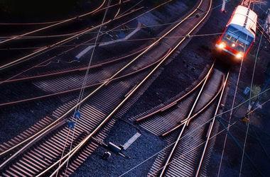 В России пассажирский поезд столкнулся с локомотивом, есть пострадавшие