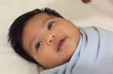 Как успокоить ребенка за 40 секунд: новый хит YouTube