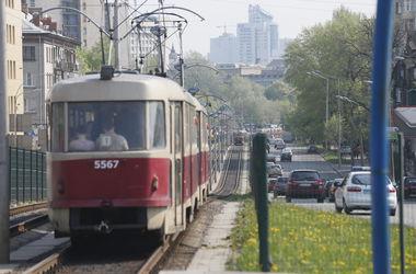 На Пасху в Киеве наземный транспорт будет ходить дольше