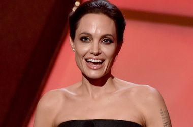 После удаления яичников у Анджелины Джоли радикально поменялись приоритеты