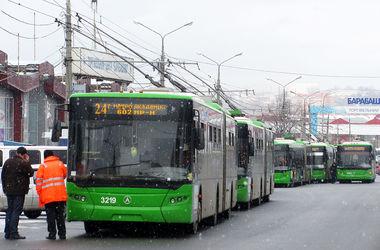 В Харькове троллейбус сбил мужчину