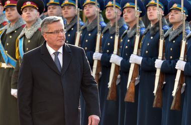 Коморовский отметил, что Украина вошла в фазу реализации реформ