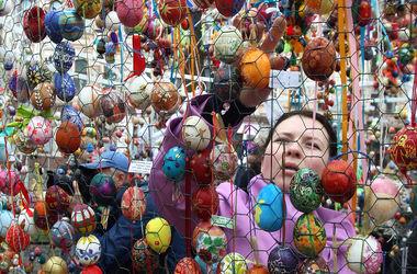 Киевские школьники установили пасхальный рекорд