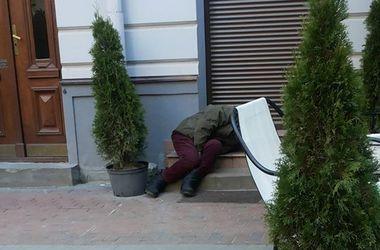 В центре Львова нашли тело мужчины