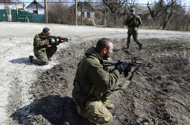 Новое наступление боевиков: жители разговаривают шепотом, а эксперты называют дату 9 Мая
