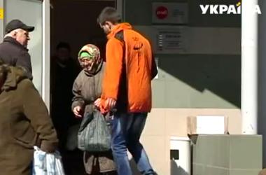 Несмотря на напряженную обстановку, пункты раздачи помощи Рината Ахметова работают как прежде