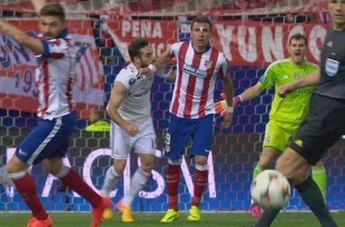 """Игрок """"Реала"""" укусил соперника за руку в матче Лиги чемпионов, но своей вины не признает"""