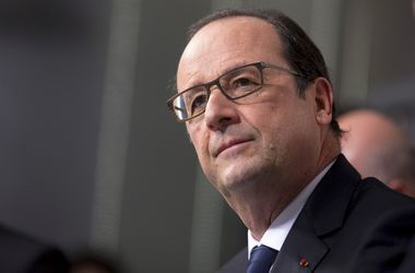 Олланд планирует на следующей неделе провести переговоры с Порошенко