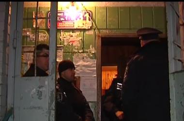 Дом, в котором жил убитый Калашников, до сих пор оцеплен милицией