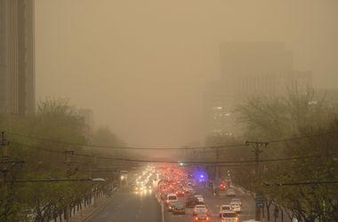 Сильнейшая песчаная буря накрыла Пекин