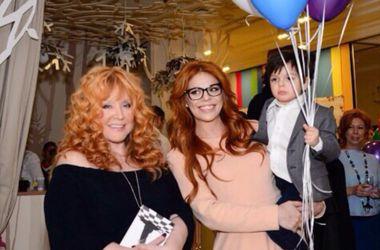 День рождения Аллы Пугачевой: звезды поздравляют именинницу