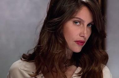 Актриса Летиция Каста оголилась для  рекламы духов