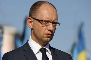 Надежды на мир на Донбассе очень призрачны – Яценюк