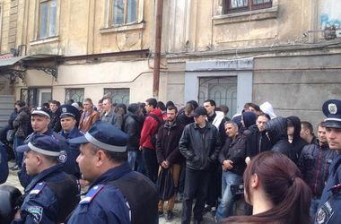 """В Одессе активисты задержали 50 """"полицейских"""""""